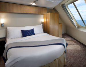 Celebrity-Cruises-Celebrity-Eclipse-Equinox-Reflection-Silhouette-Solstice-Categorie-FV-Familiebalkonhut