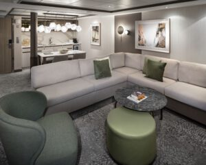 Celebrity-Cruises-Celebrity-Eclipse-Equinox-Reflection-Silhouette-Solstice-Categorie-RS-Royal-Suite