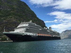 Holland-America-Lines-Koningsdam-Flam-Noorwegen-Cruise-Cruiseschip