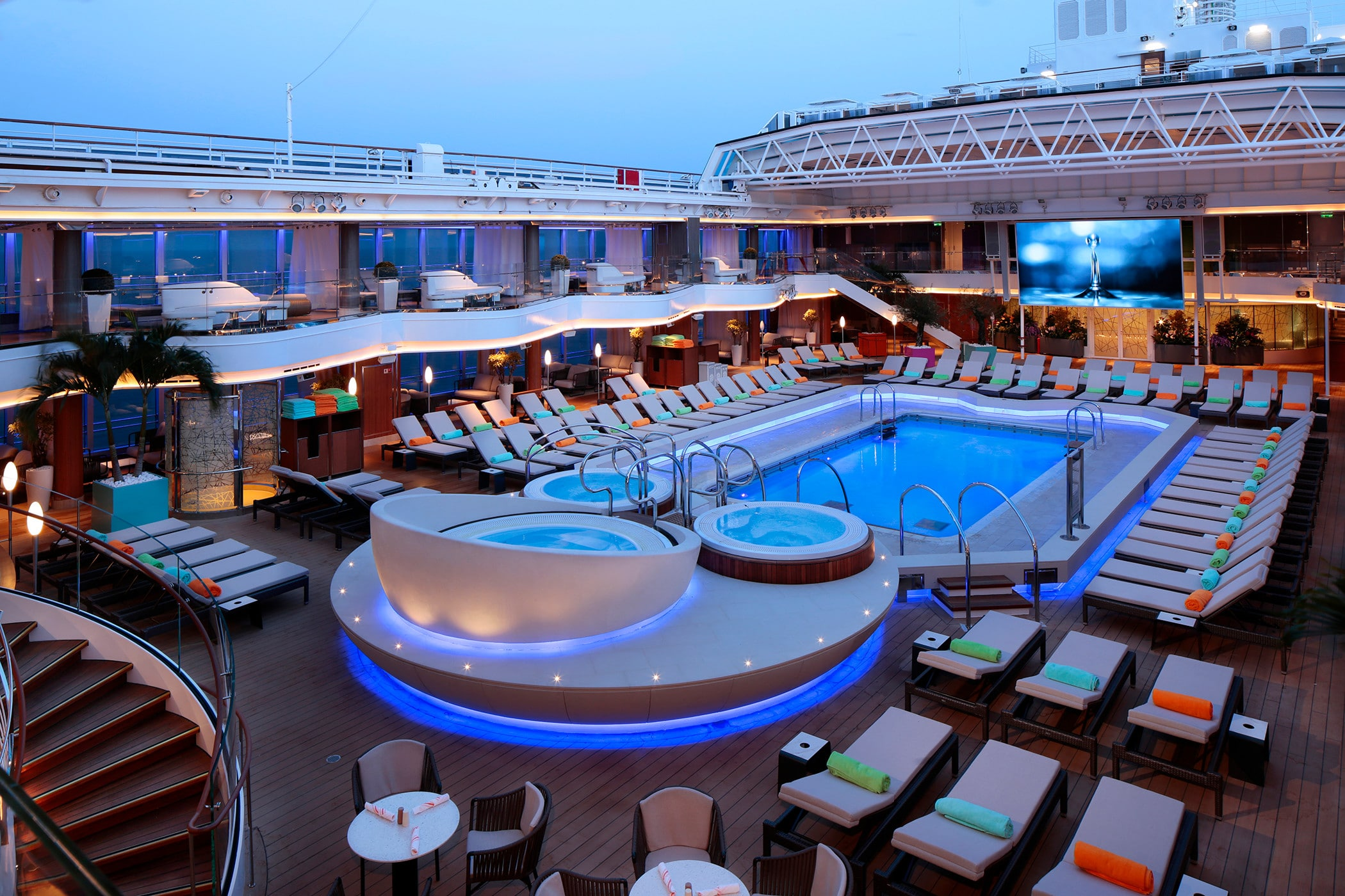 cruiseschip - Holland America Line - Nieuw Statendam - Lido Pool