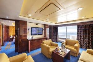 MSC-Cruises-MSC-Fantasia-schip-cruiseschip-categorie-YC2-Yacht-CLub-executive-family-Suite