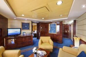 MSC-Cruises-MSC-Fantasia-schip-cruiseschip-categorie-YC3-Yacht-Club-Royal-Suite