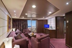 MSC-Cruises-MSC-Preziosa-schip-cruiseschip-categorie YC3-Yacht-Club-Royal-Suite