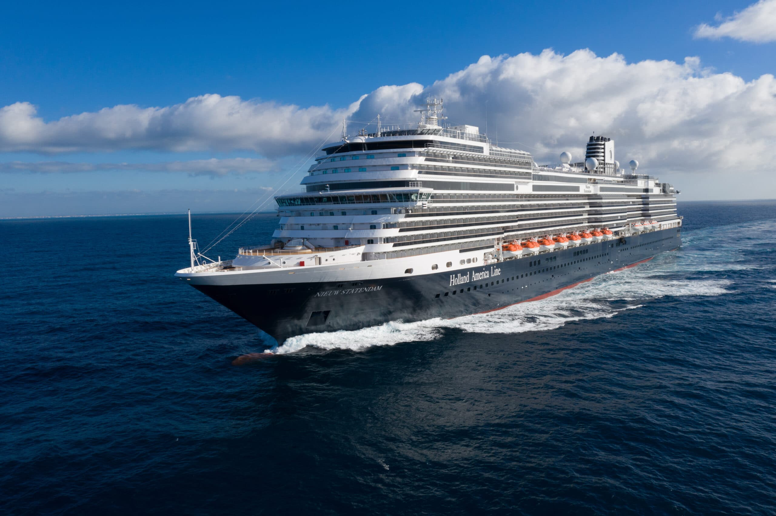 Nieuw Statendam-Holland America Line-Cruiseschip