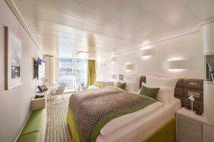 Hapag Lloyd-Hanseatic Nature-schip-Cruiseschip-Categorie 3-5-french balcony cabin