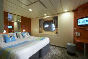 Norwegian-cruise-line-Norwegian-Dawn-schip-cruiseschip-categorie-OK-OX-OF-buitenhut-patrijspoort-beperkt-zicht