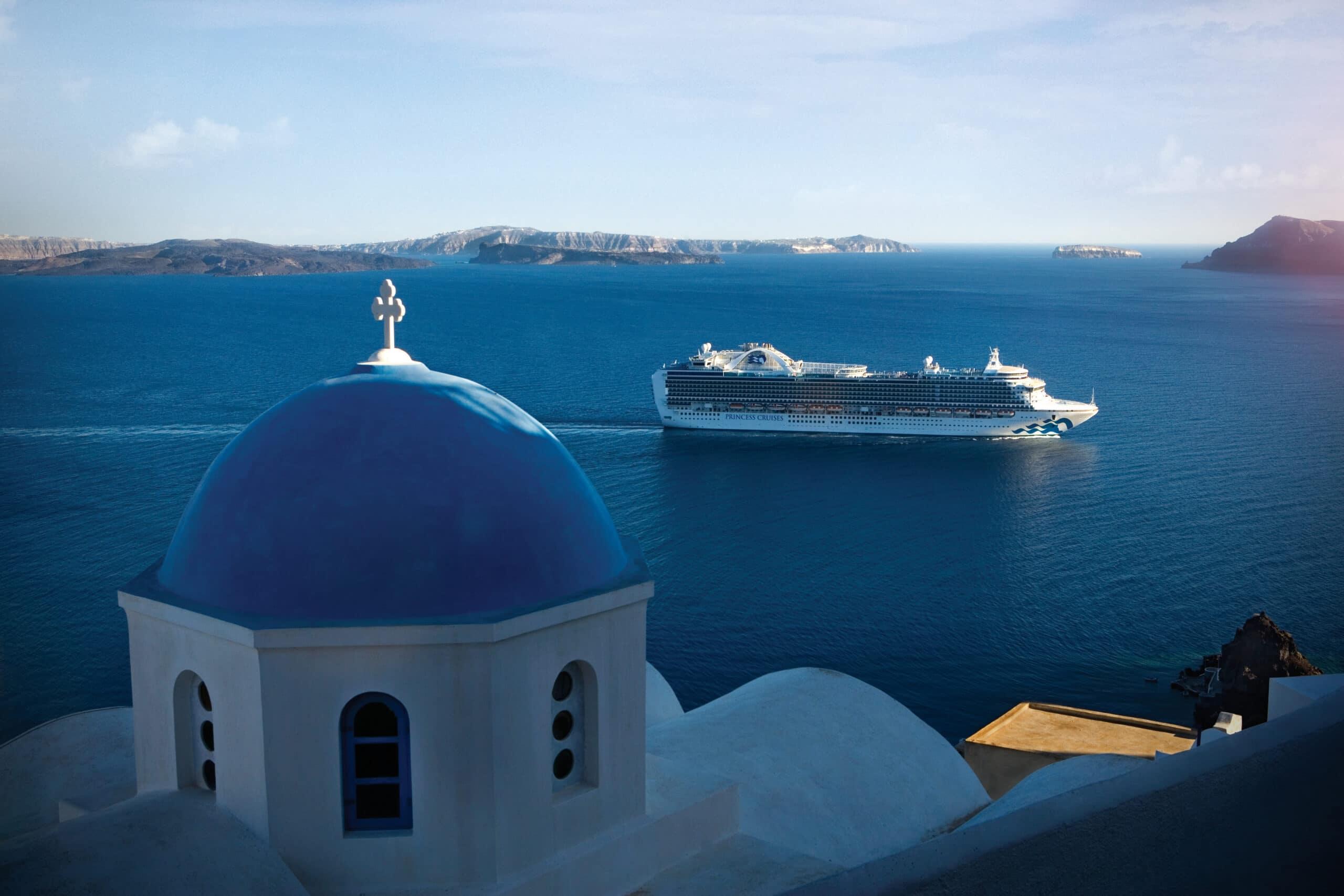 Emerald Princess Cruise Cruiseschip Santorini Griekenland