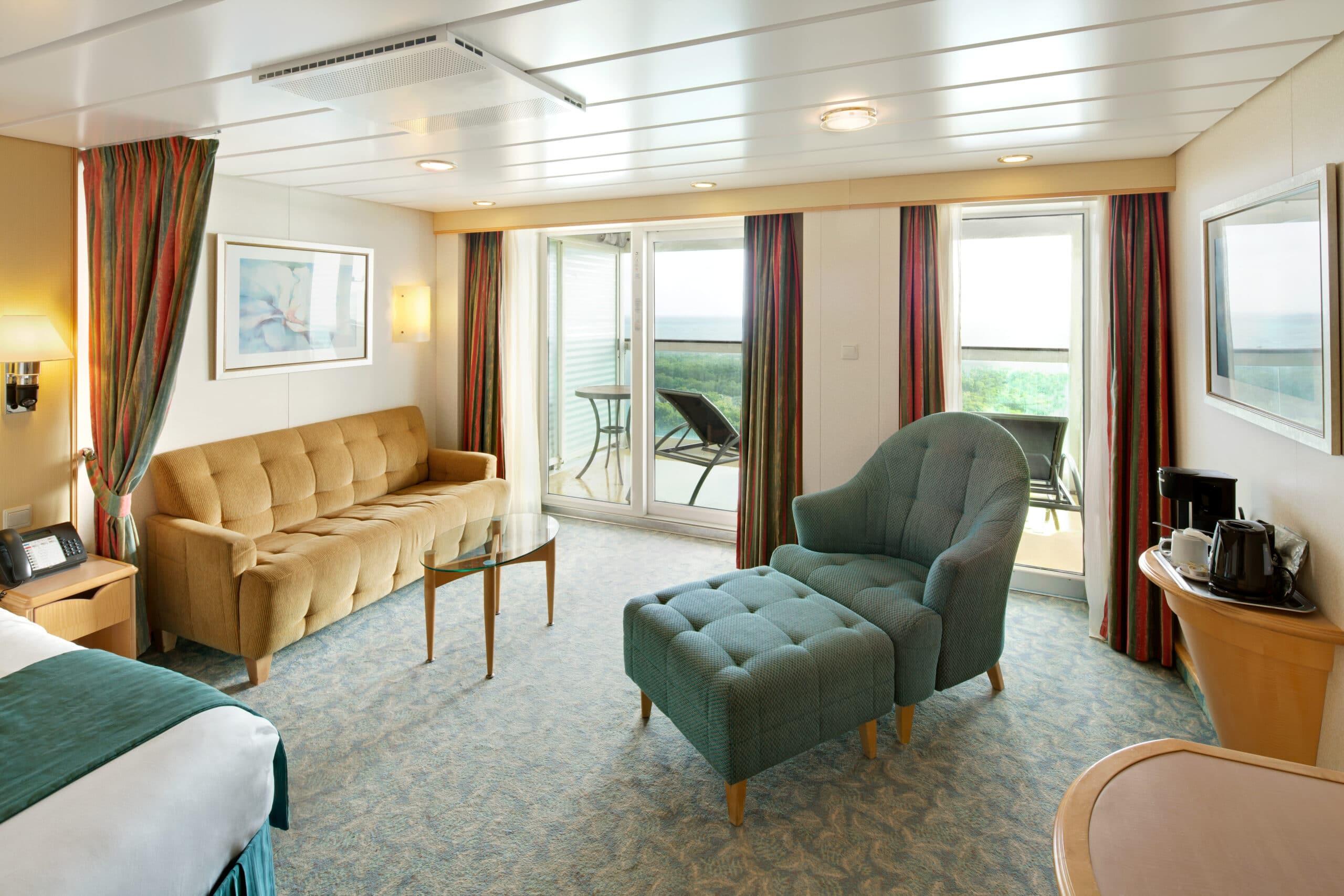 Royal-Caribbean-International-Freedom-of-the-Seas-Liberty-of-the Seas-Independence-of-the-seas-schip-cruiseschip-categorie J3-J4-Junior Suite