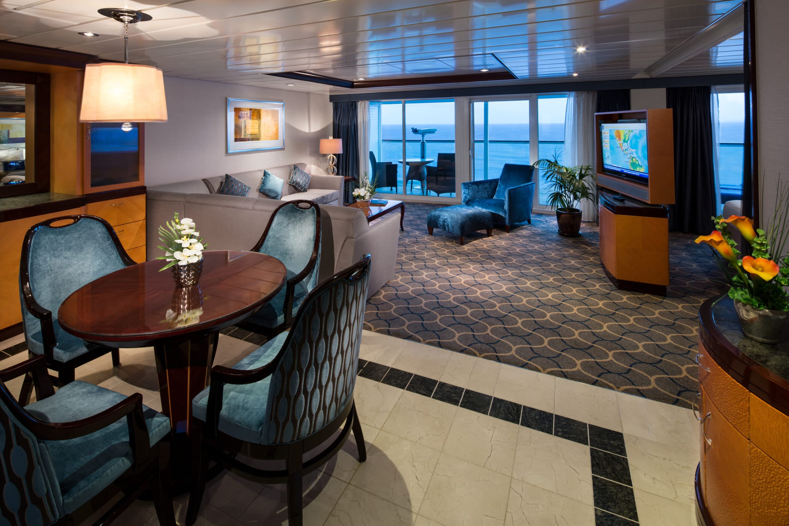 Royal-Caribbean-International-Freedom-of-the-Seas-Liberty-of-the Seas-Independence-of-the-seas-schip-cruiseschip-categorie OS-Owner Suite