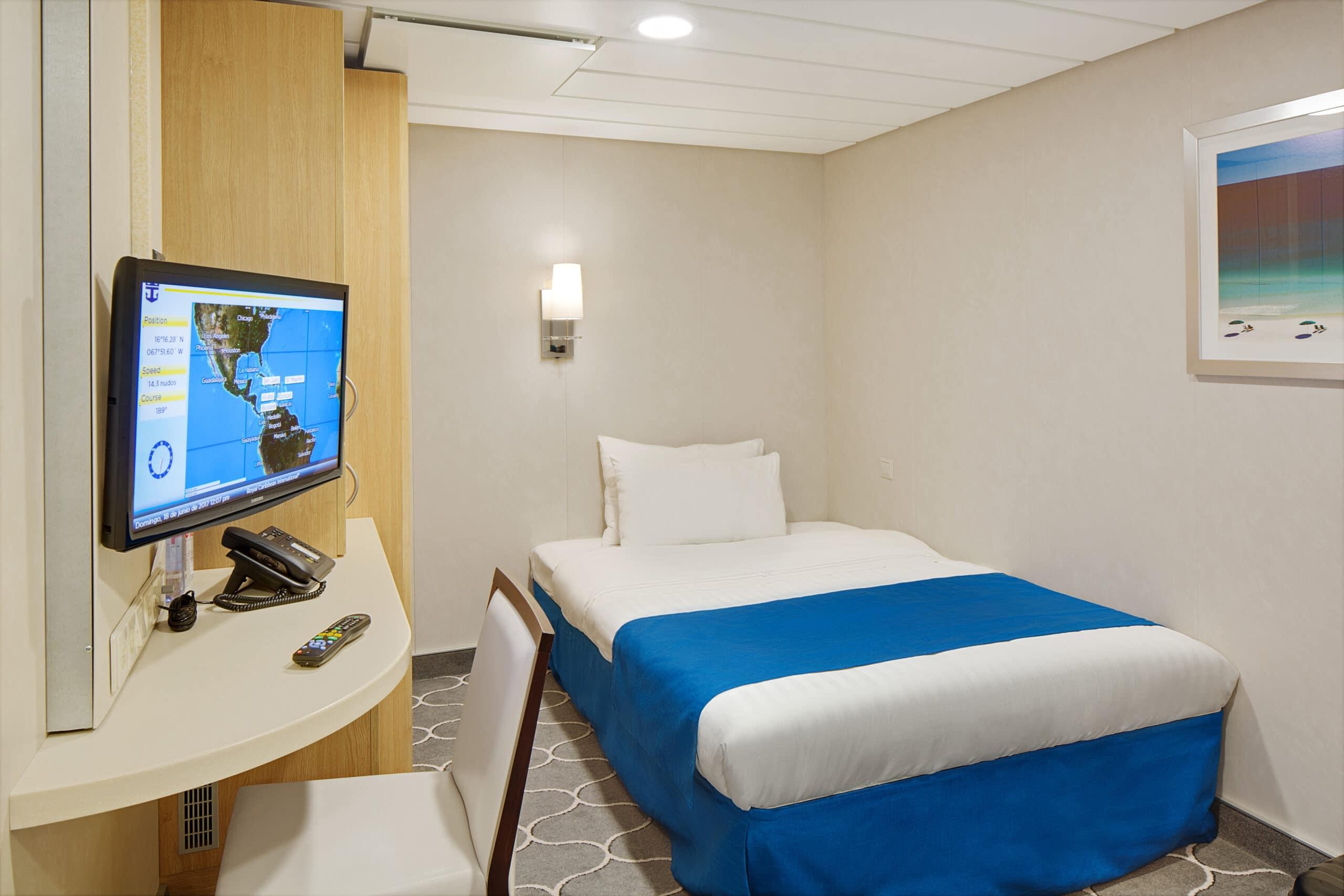 Royal-Caribbean-International-Adventure-of-the-Seas-schip-cruiseschip-categorie-2W-Studio-binnenhut