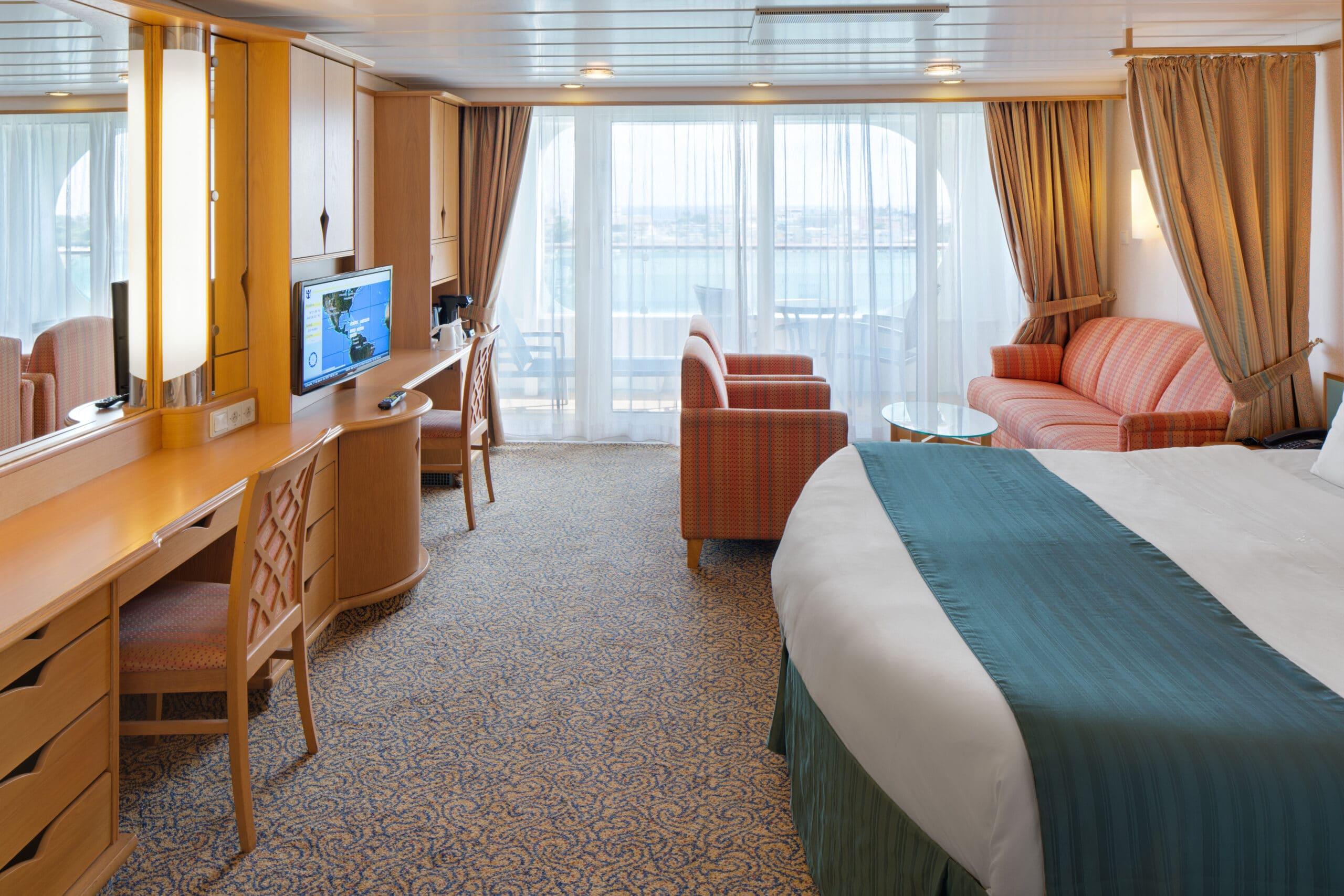 Royal-Caribbean-International-Adventure-of-the-Seas-schip-cruiseschip-categorie-J3-J4-junior-suite