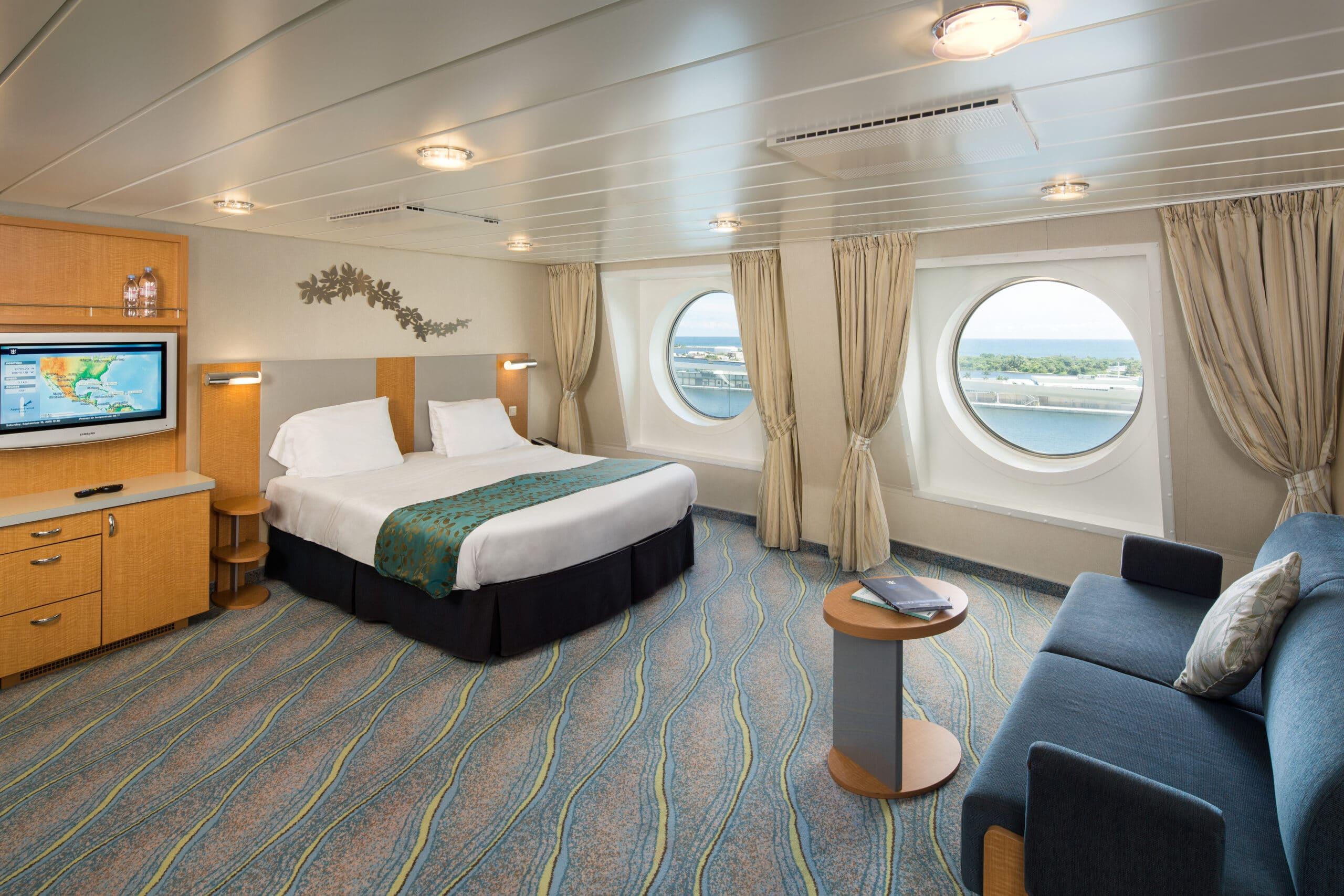 Royal-Caribbean-International-Allure-of-the-Seas-Oasis-of-the-seas-schip-cruiseschip-categorie-1K-Ultra-ruime-buitenhut