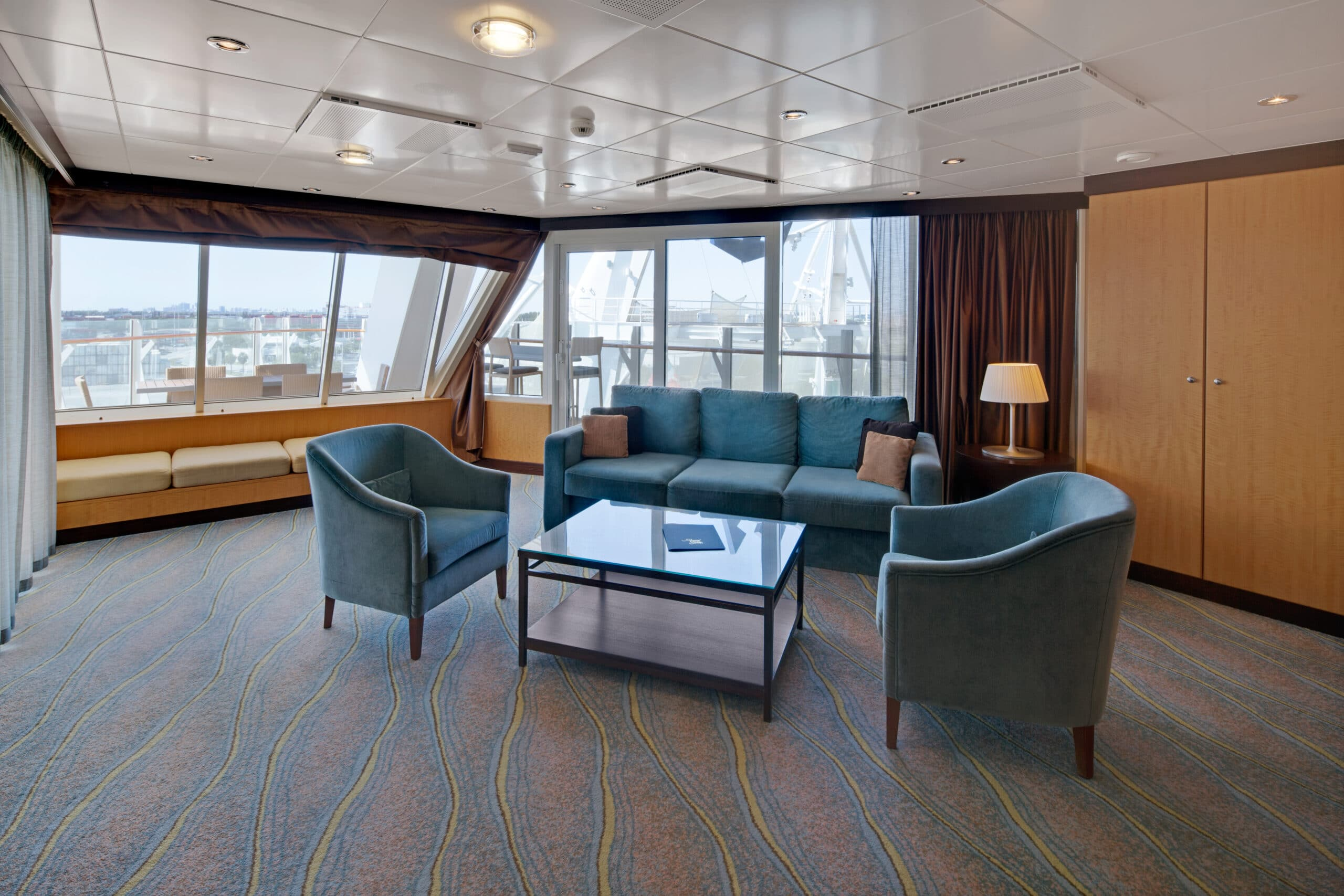 Royal-Caribbean-International-Allure-of-the-Seas-Oasis-of-the-seas-schip-cruiseschip-categorie-A1-Ruime-Aqua-theather-met-2-slaapkamers