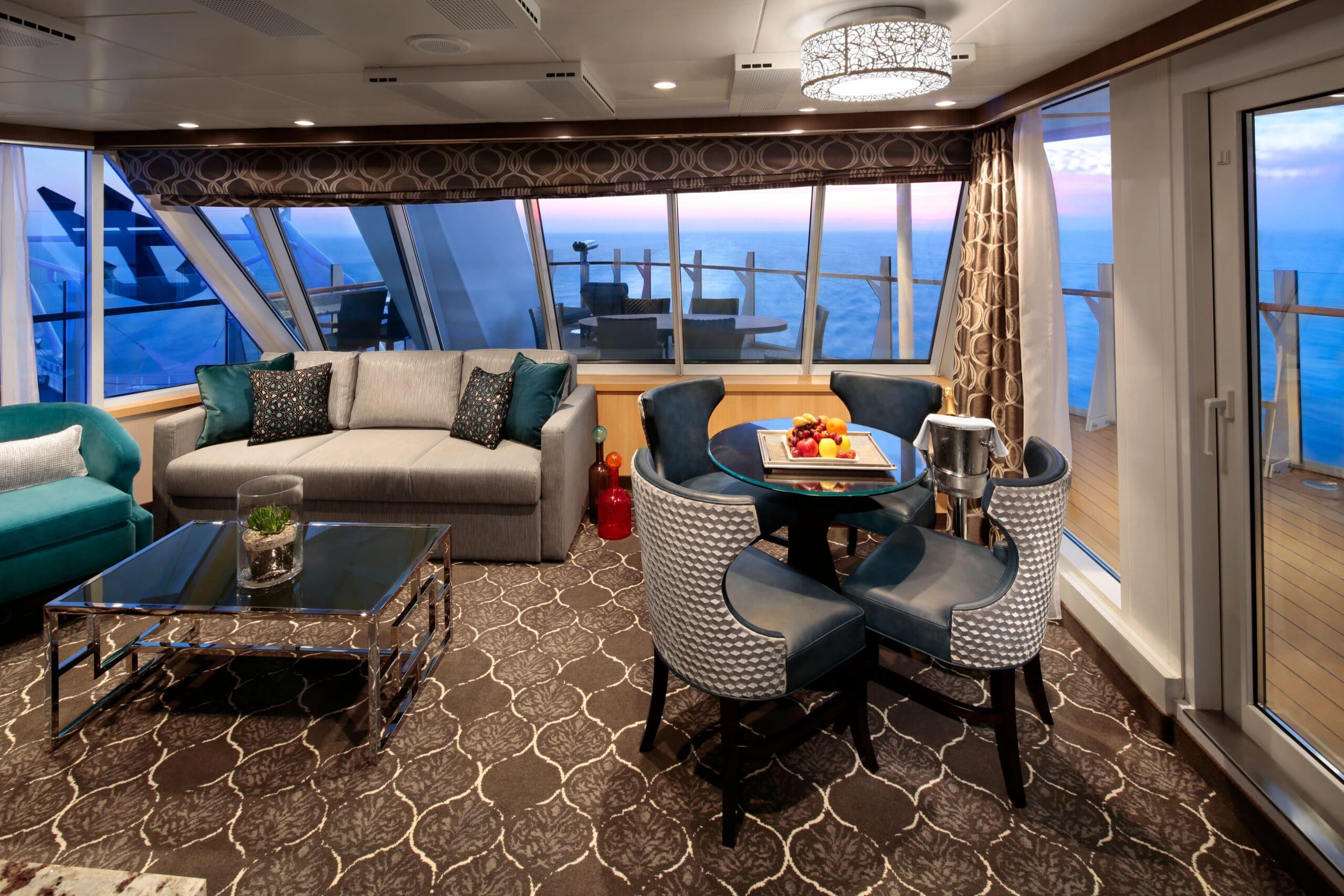 Royal-Caribbean-International-Harmony-of-the-Seas-Symphony-of-the-seas-schip-cruiseschip-categorie-A2-Aqua-theather-met-2-slaapkamers
