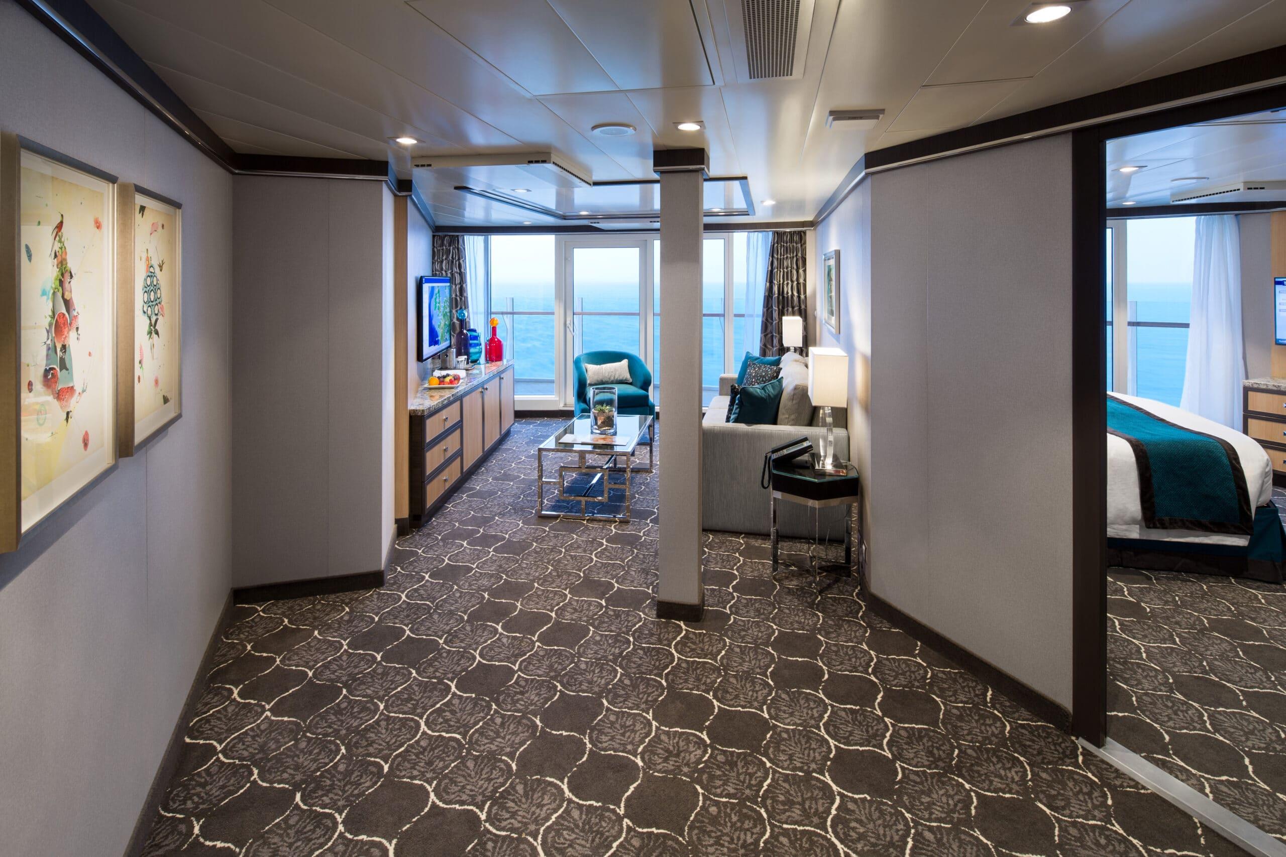 Royal-Caribbean-International-Harmony-of-the-Seas-Symphony-of-the-seas-schip-cruiseschip-categorie-A3-Ruime-Aqua-theater-suite