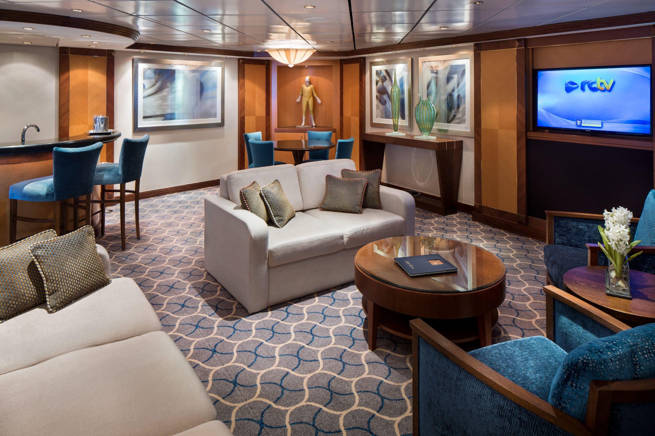Royal-Caribbean-International-Jewel-of-the-Seas-schip-cruiseschip-categorie-RS-Royal-Suite