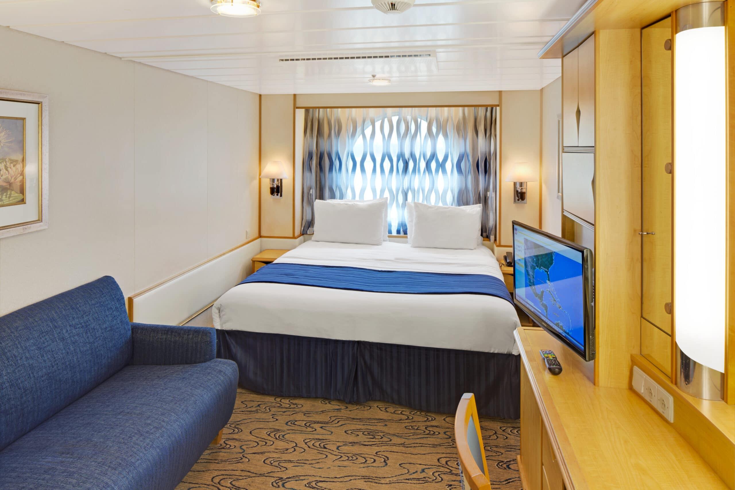 Royal-Caribbean-International-Navigator-Voyager-of-the-Seas-schip-cruiseschip-categorie-1N-2N-3N-8N-buitenhut