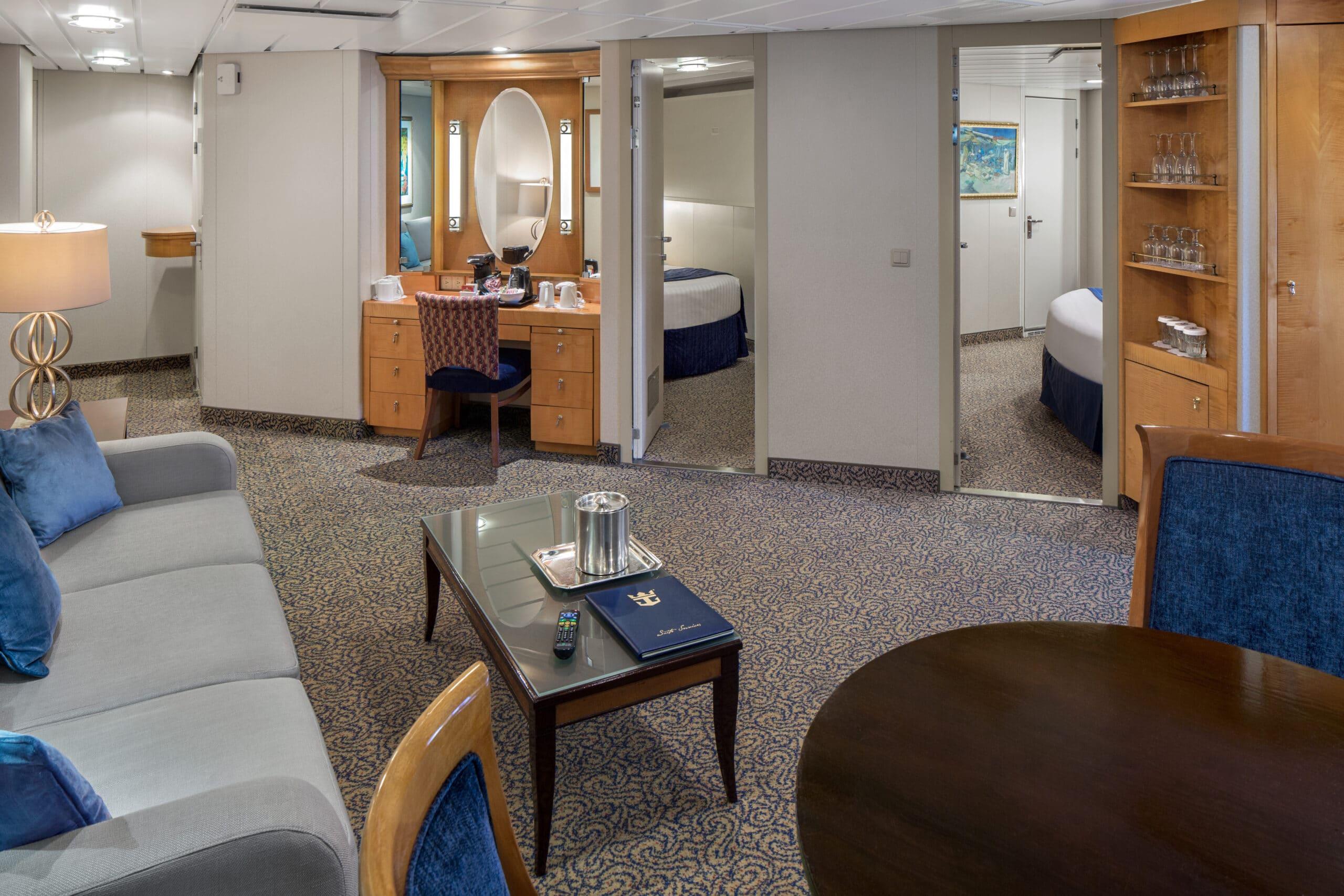 Royal-Caribbean-International-Radiance-of-the-Seas-schip-cruiseschip-categorie-OT-Owner-Suite-2-bedroom