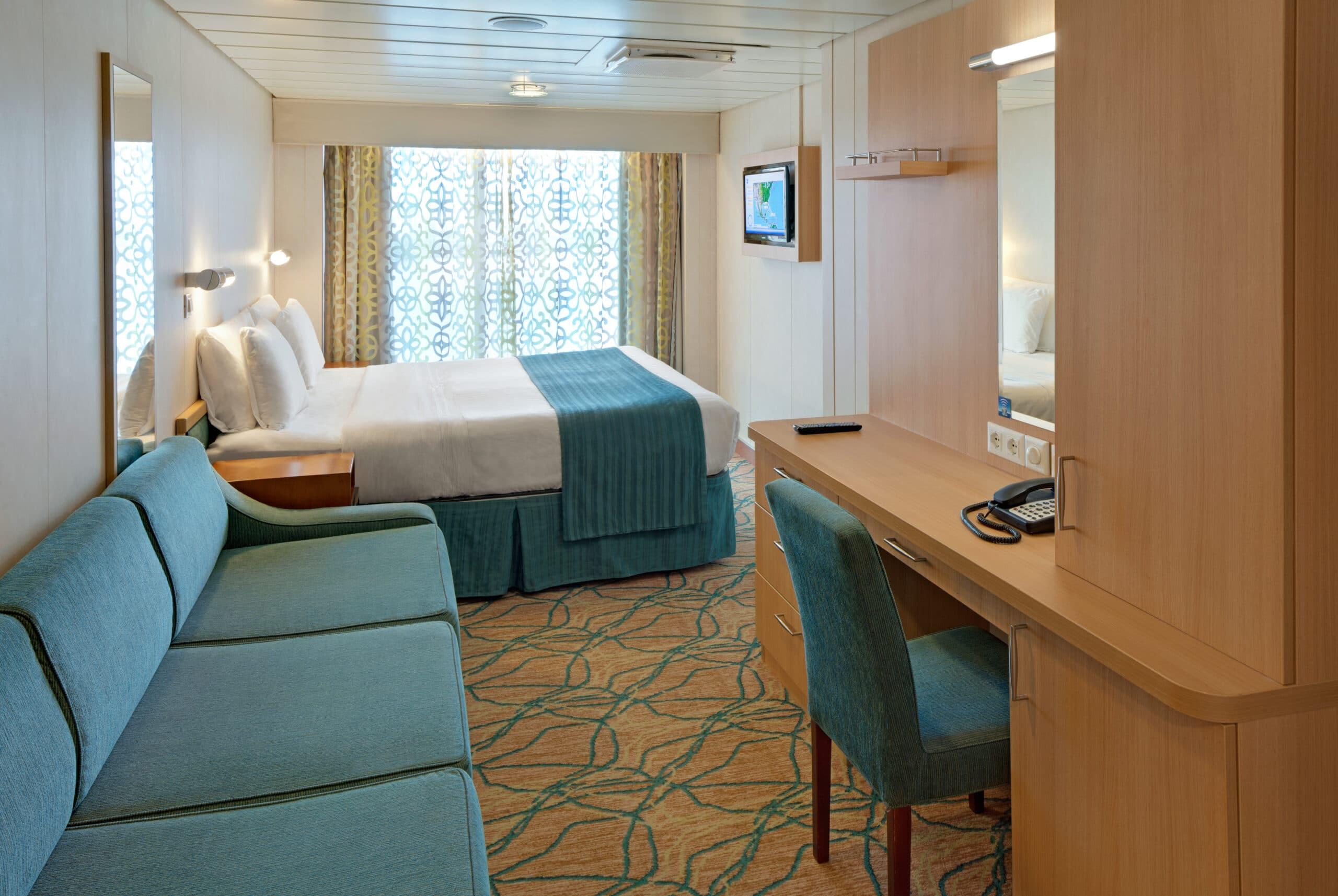 Royal-Caribbean-International-Rhapsody-of-the-Seas-schip-cruiseschip-categorie-1M-ruime-buitenhut