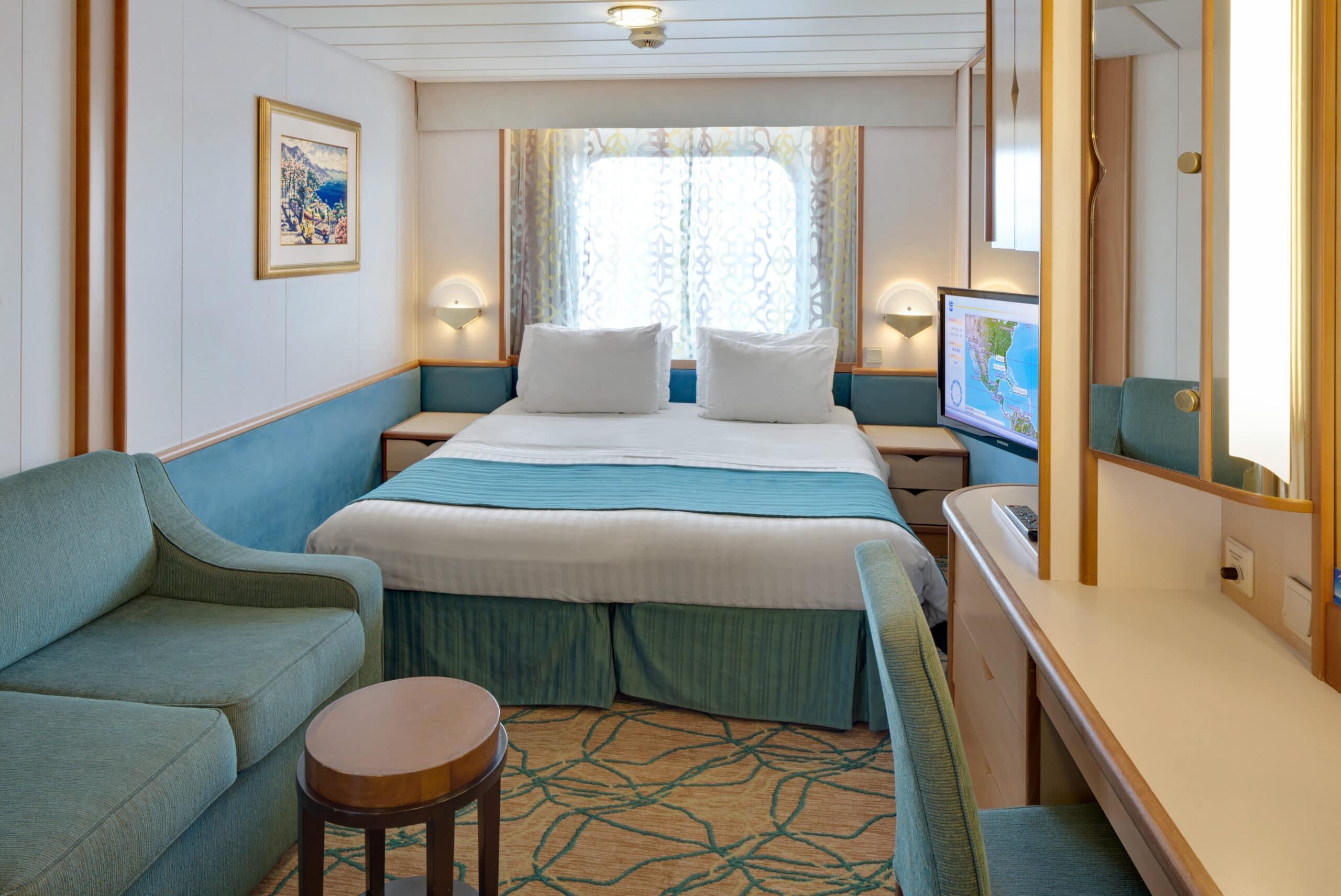 Royal-Caribbean-International-Rhapsody-of-the-Seas-schip-cruiseschip-categorie-1N-2N-3N-4N-CO-buitenhut-tussendeur