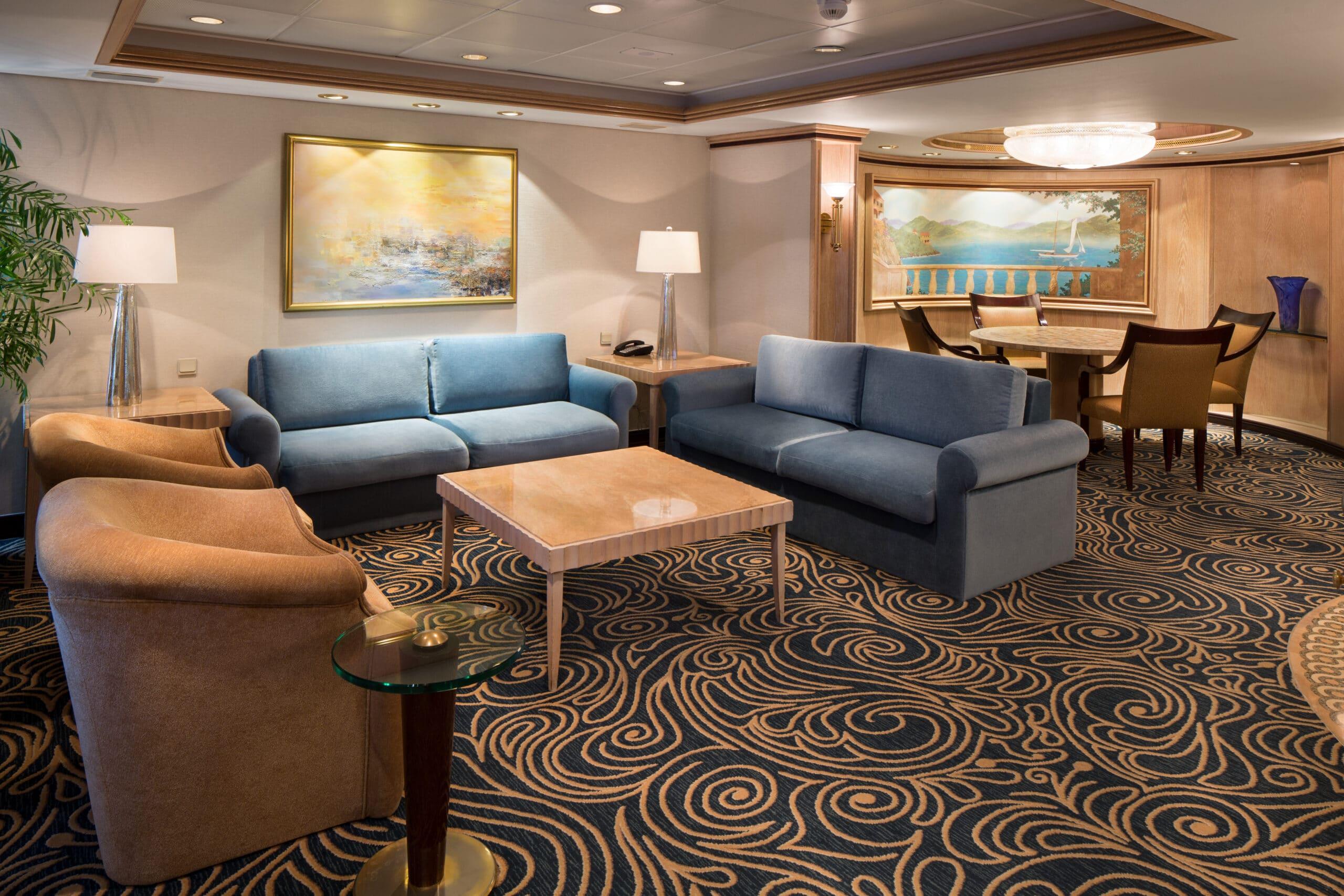 Royal-Caribbean-International-Rhapsody-of-the-Seas-schip-cruiseschip-categorie-RS-Royal-Suite