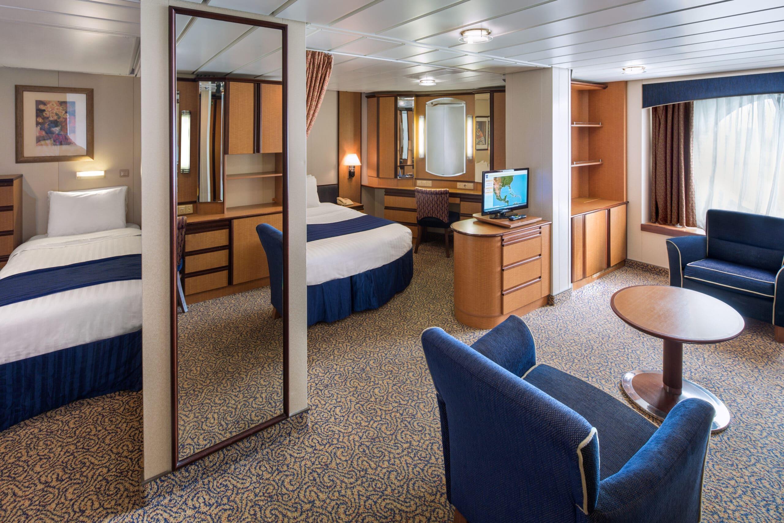 Royal-Caribbean-International-Serenade-of-the-Seas-schip-cruiseschip-categorie-1K-Ultra-grote-buitenhut