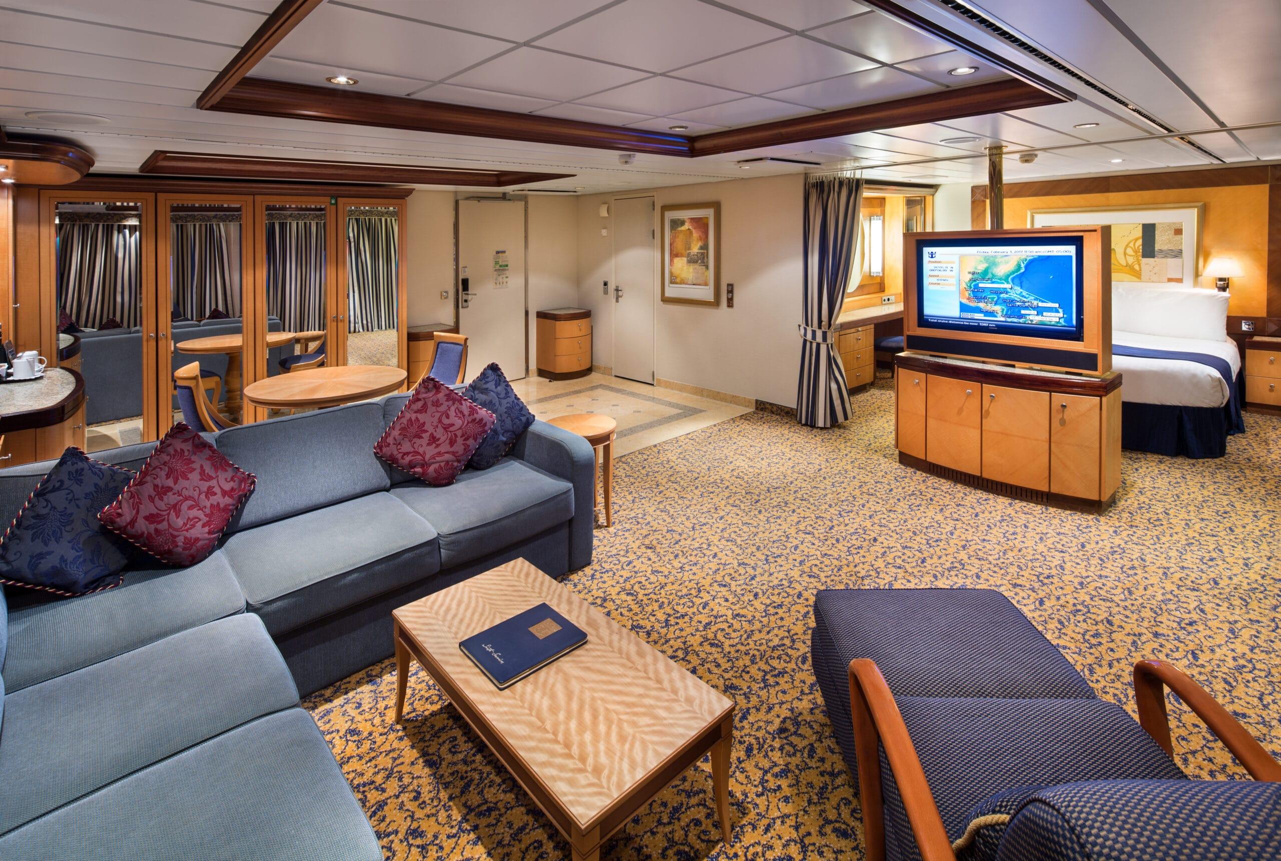 Royal-Caribbean-International-Serenade-of-the-Seas-schip-cruiseschip-categorie-OT-Owner-Suite-2-bedroom