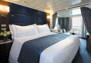 regent-seven-seas-seven-seas-voyager-schip-cruiseschip-categorie F-G-H-deluxe-veranda suite