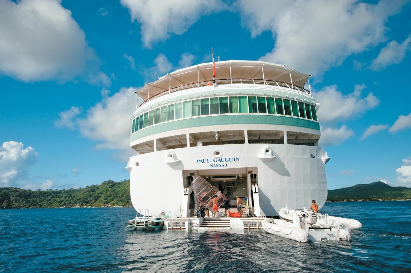 Paul Gauguin Marina Cruise Cruiseschip Watersport