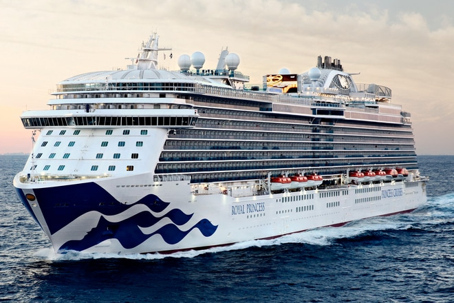 Princess-Cruises-Royal-Princess-Op-Zee-Cruiseschip
