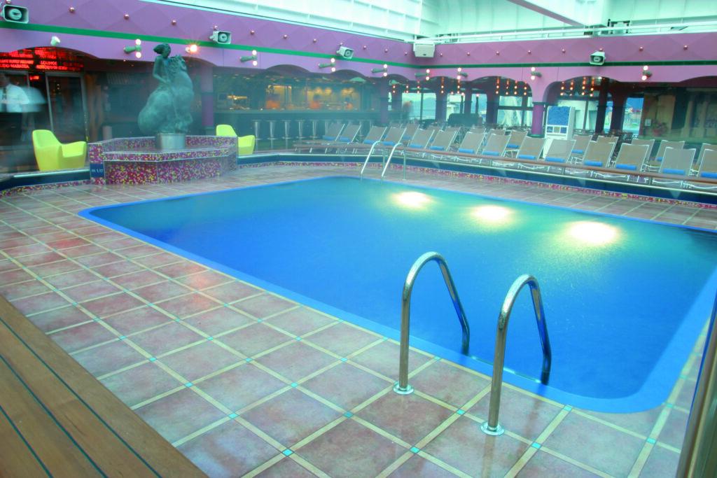 Cruiseschip-Costa Magica-Costa Cruises-Zwembad