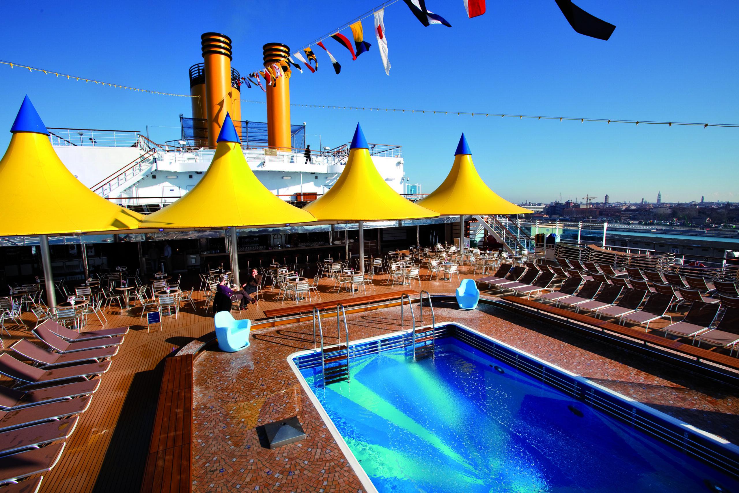 Cruiseschip-Costa Deliziosa-Costa Cruises-Zwembad