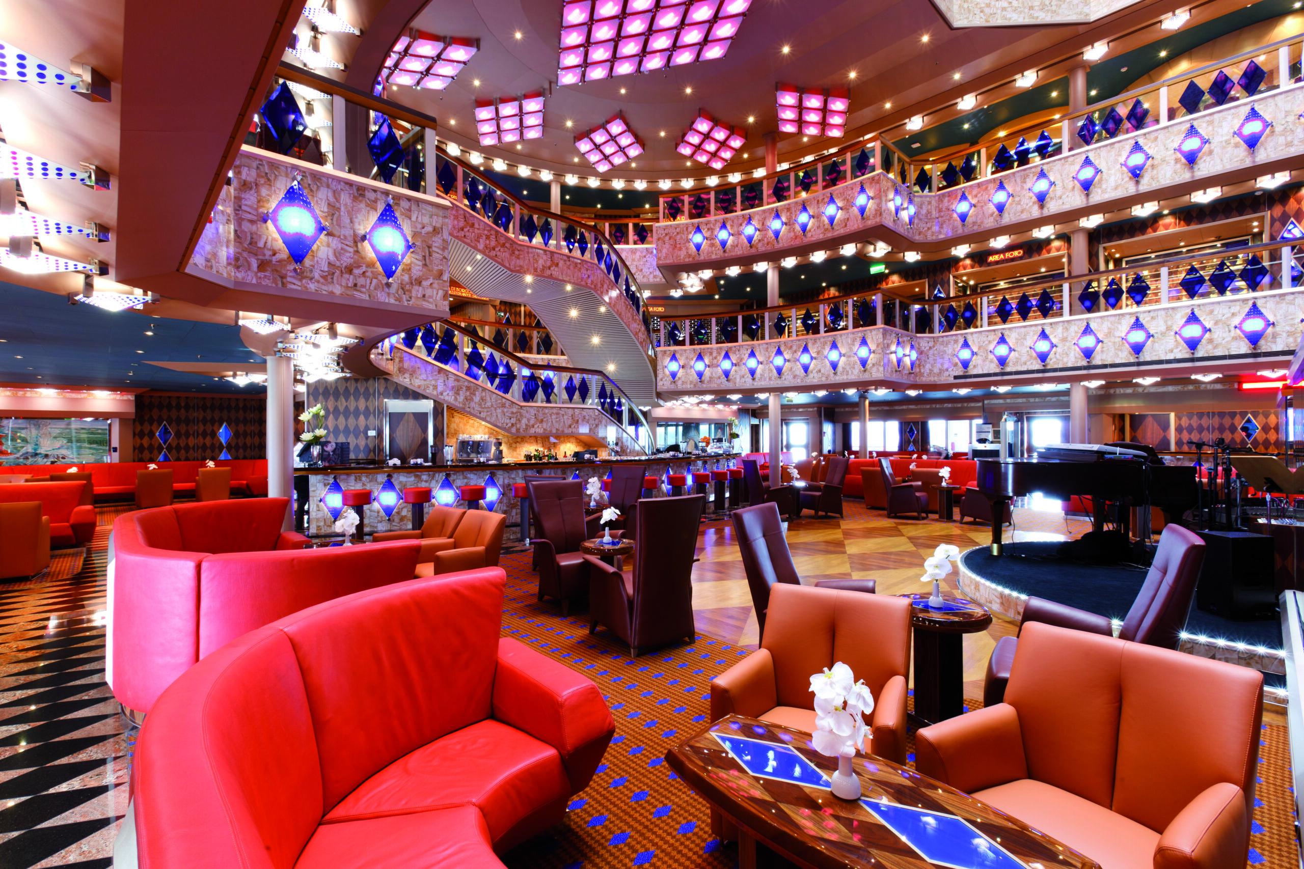 Cruiseschip-Costa Favolosa-Costa Cruises-Atrium