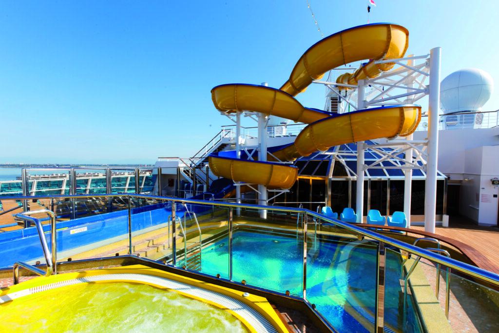 Cruiseschip-Costa Favolosa-Costa Cruises-Glijbaan