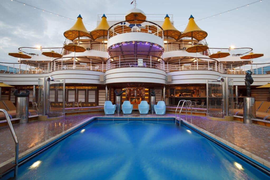 Cruiseschip-Costa Fascinosa-Costa Cruises-Zwembad