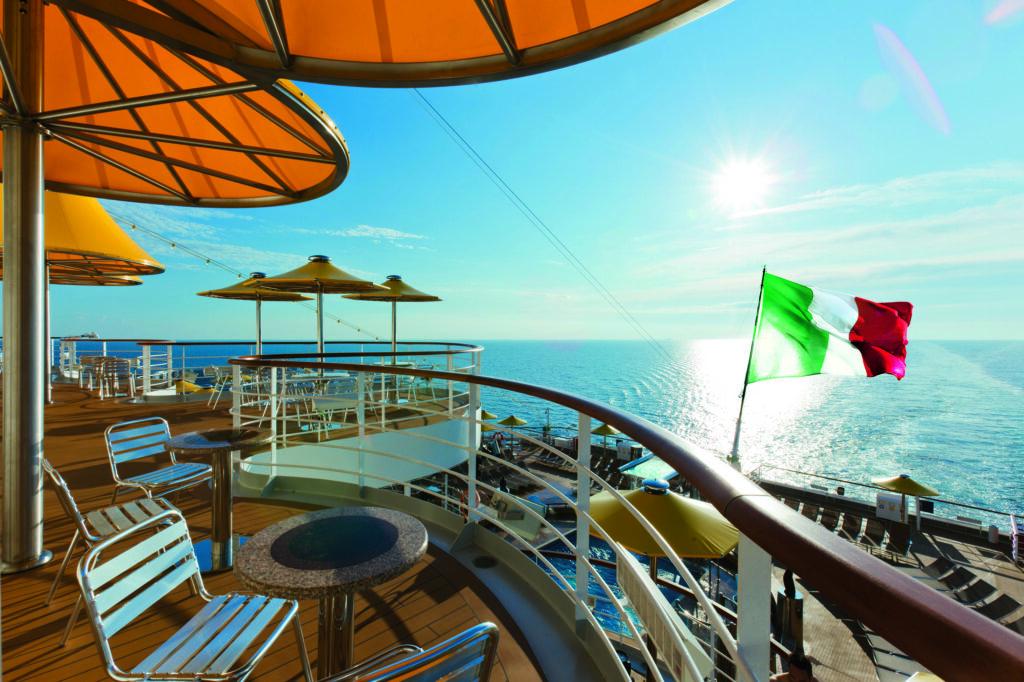 Cruiseschip-Costa Fascinosa-Costa Cruises-Deck
