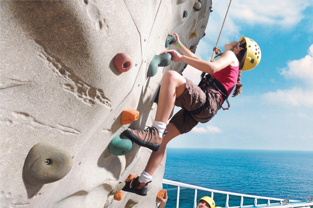 Cruiseschip-Enchantment of the Seas-Royal Caribbean International-Klimwand