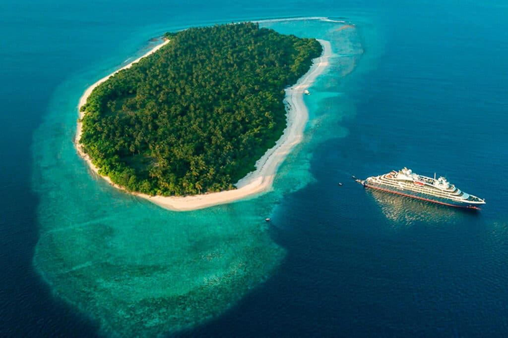 Cruiseschip-Le Bellot-Le Champlain-Le Laperouse-Ponant Yacht Cruises-Schip