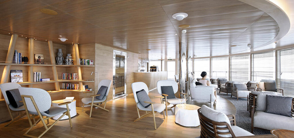 Cruiseschip-Le Bellot-Le Champlain-Le Laperouse-Ponant Yacht Cruises-Lounge