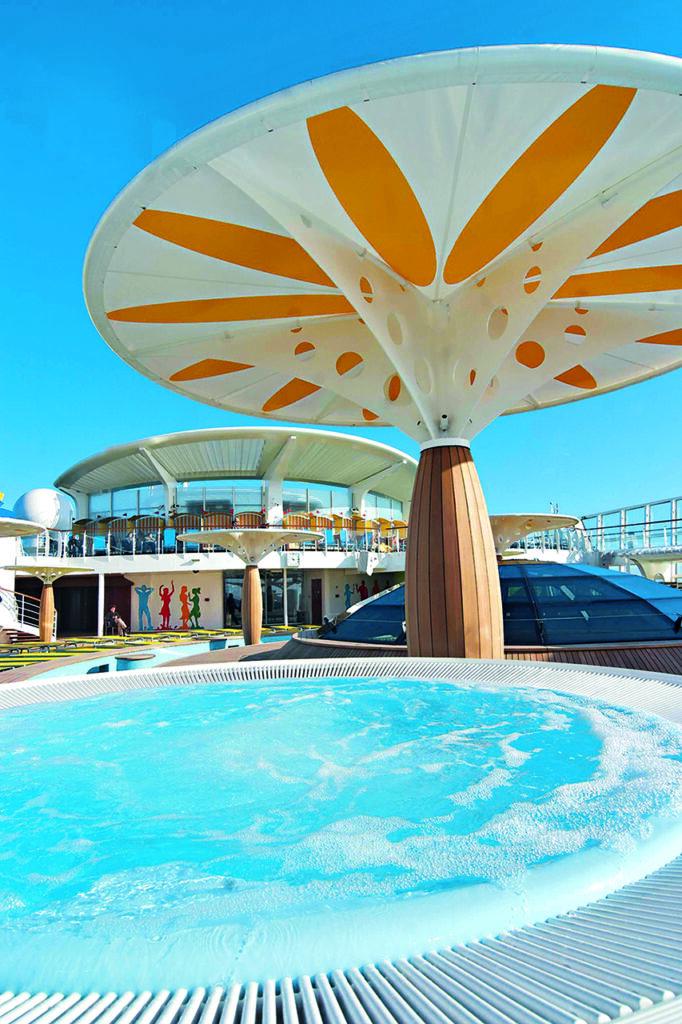 Cruiseschip-AIDAluna-AIDA-Pooldeck