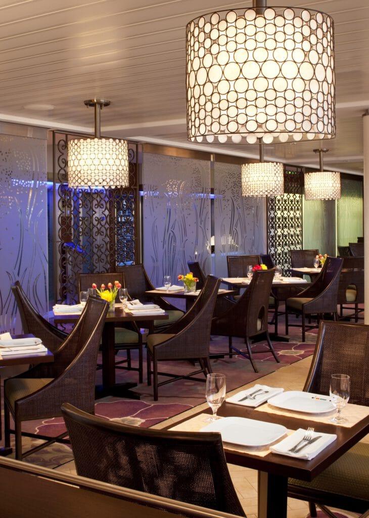 Cruiseschip-Celebrity Eclipse-Celebrity Cruises-Restaurant