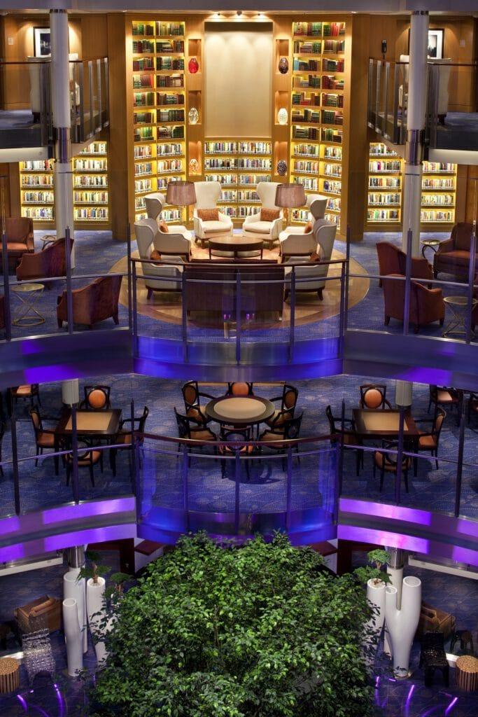 Cruiseschip-Celebrity Eclipse-Celebrity Cruises-Bibliotheek