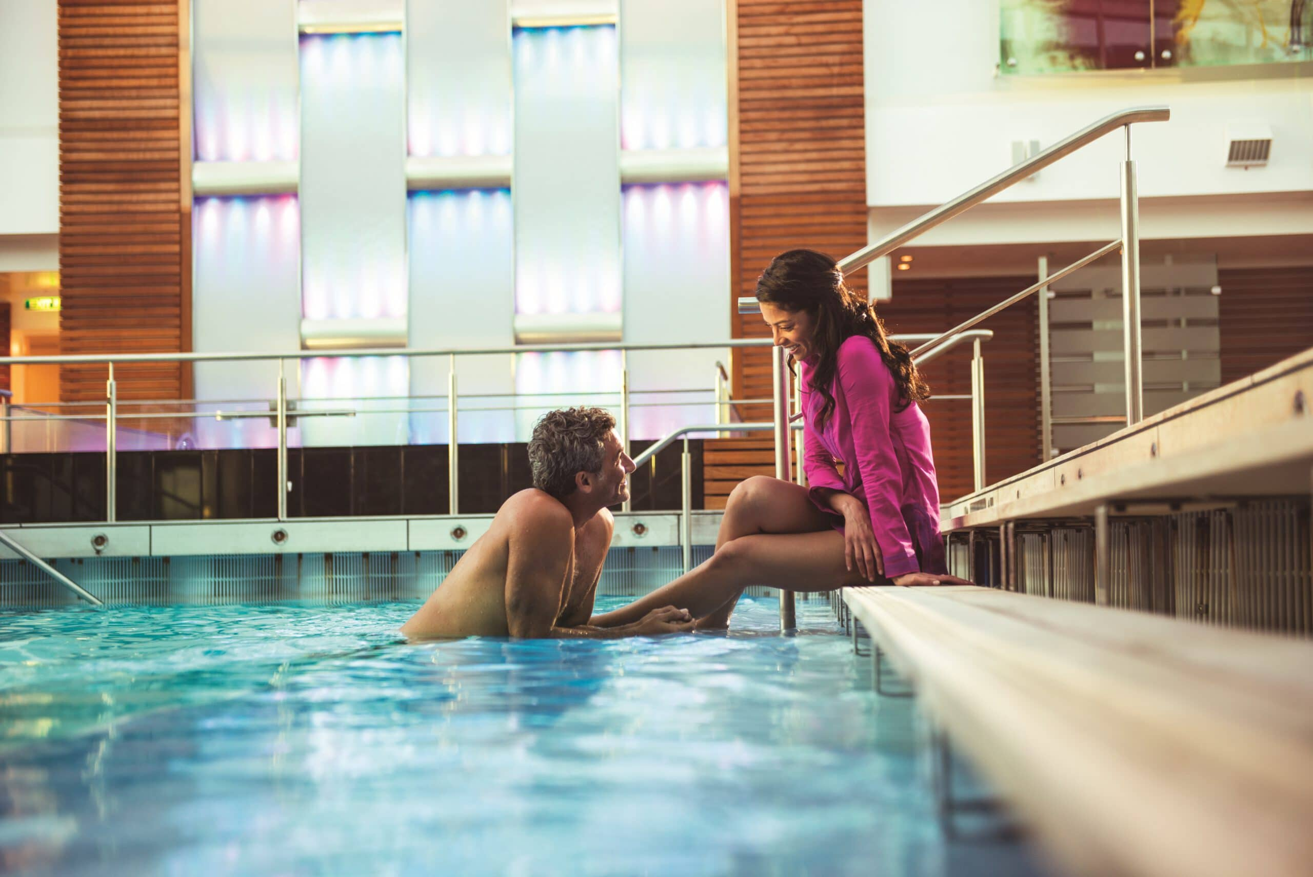 Cruiseschip-Celebrity Reflection-Celebrity Cruises-Binnenzwembad