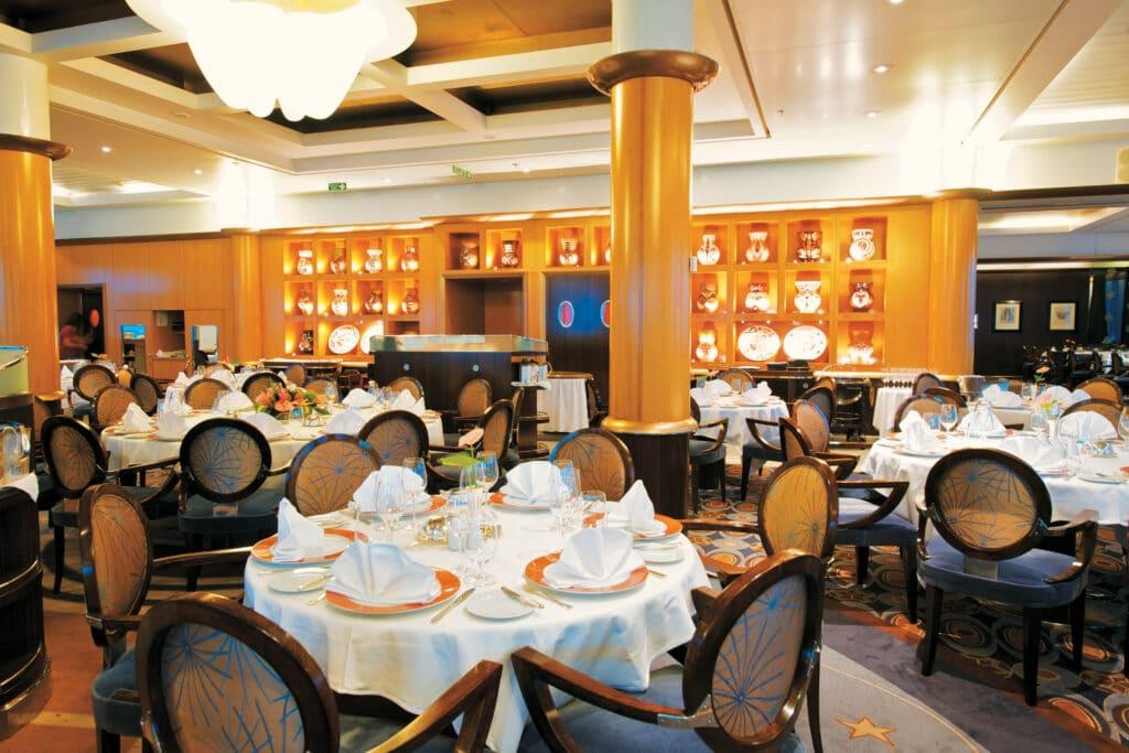 Paul Gauguin Restaurant Cruise Cruiseschip