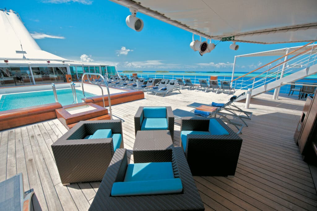 Paul Gauguin Zwembad Bar Cruise Cruiseschip