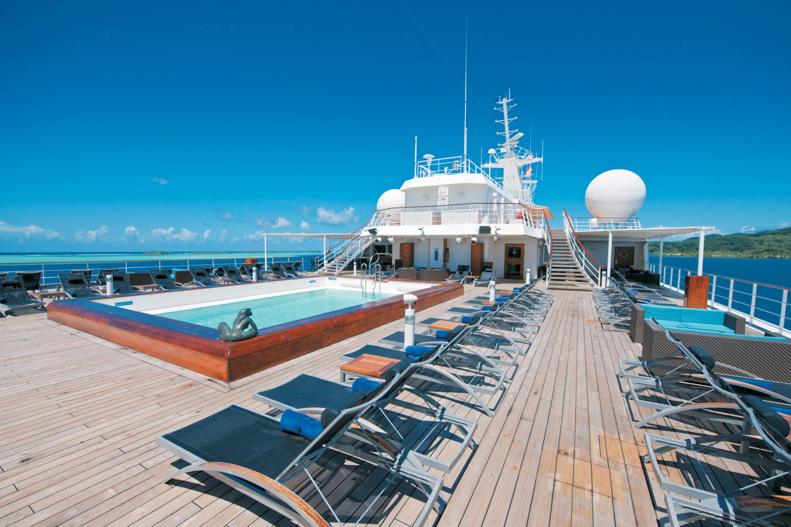 Paul Gauguin Zwembad Cruise Cruiseschip