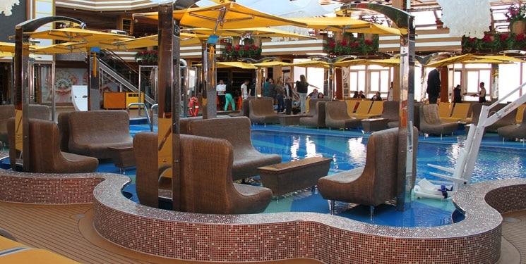 Cruiseschip-Costa Diadema-Costa Cruises-Zwembad