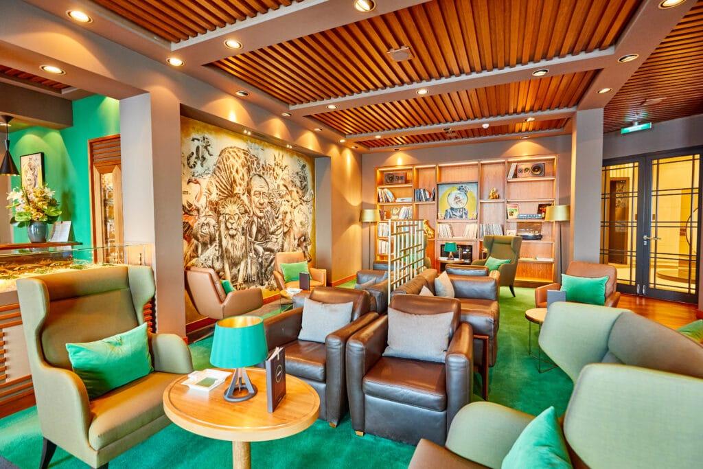Cruiseschip-MS Europa 2 -Hapag Lloyd Cruises-Lounge