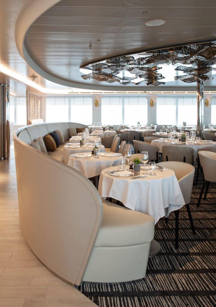 Cruiseschip-Le Bougainville-Ponant Yacht Cruises-Restaurant