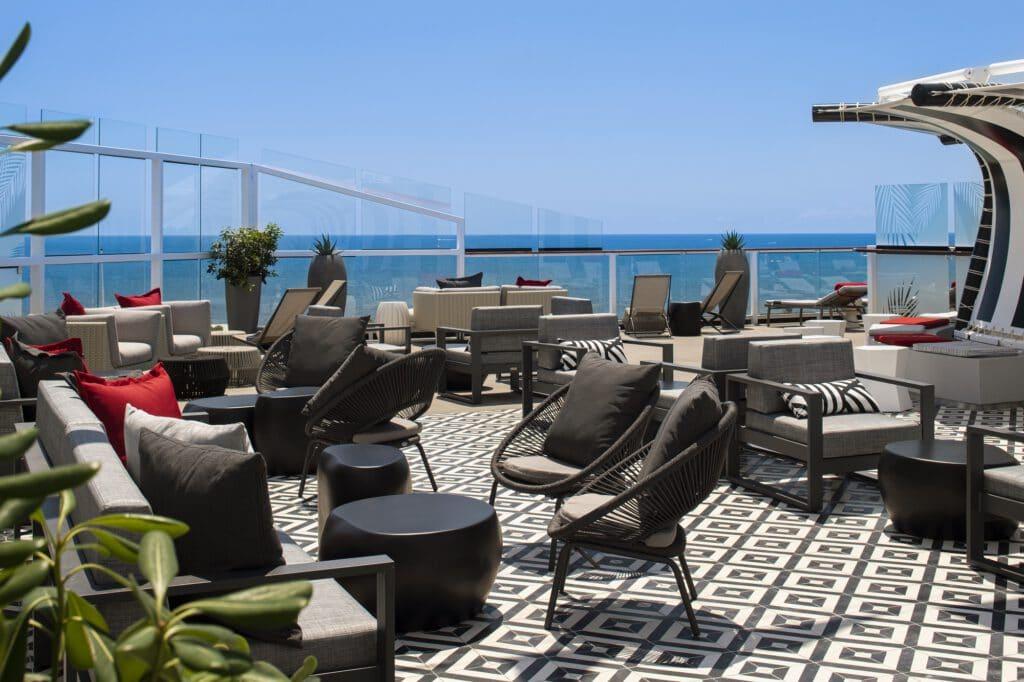Cruiseschip-Celebrity Equinox-Celebrity Cruises-The Retreat Zonnendeck